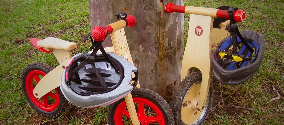 Apprendre à faire du vélo (2): Petites roues / draisienne: le match!