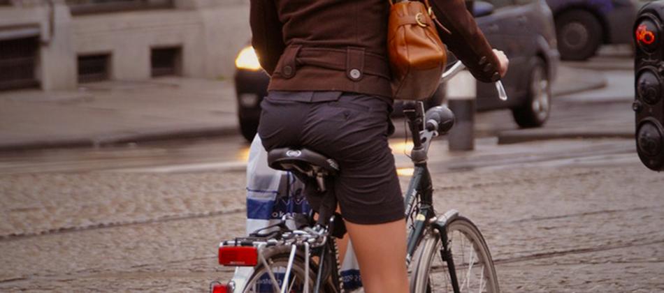 Porter une jupe à vélo