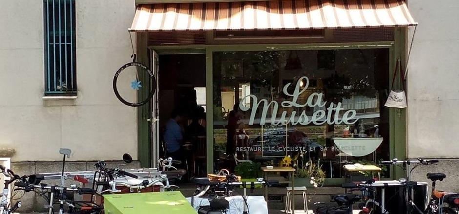 Vélo et expresso, c'est la devise du café cylco d'Yvan et Ezter. À la Musette, on vient faire réparer son byclo en sirotant son caoua. Tentant, non?