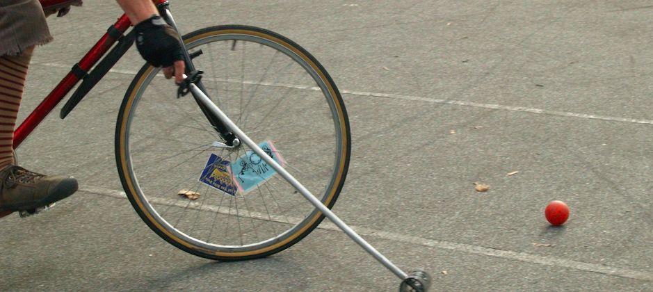Le Bike Polo, 2 roues au lieu de 4 sabots