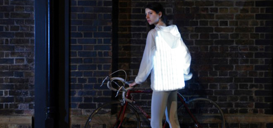 Une veste pour encourager les femmes à pédaler
