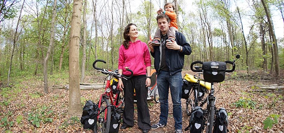 Au coin de la roue, une famille à vélo autour du monde