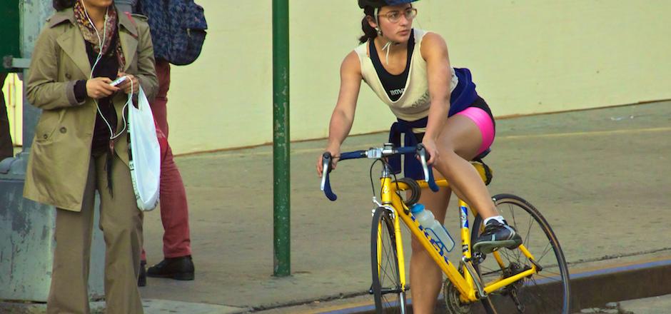 """Préjugés automobilistes: """"les cyclistes sont lents"""""""