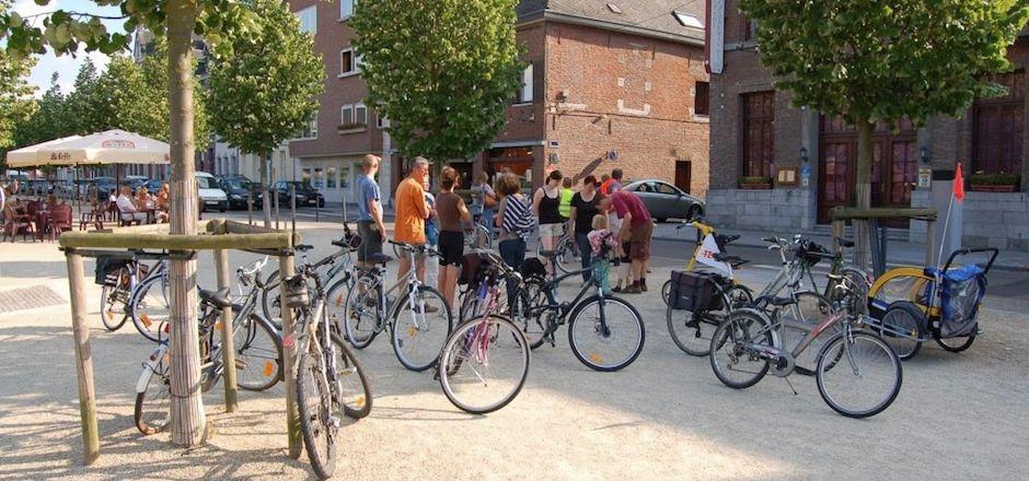 Pédaler pour se souvenir: une balade culturelle à vélo
