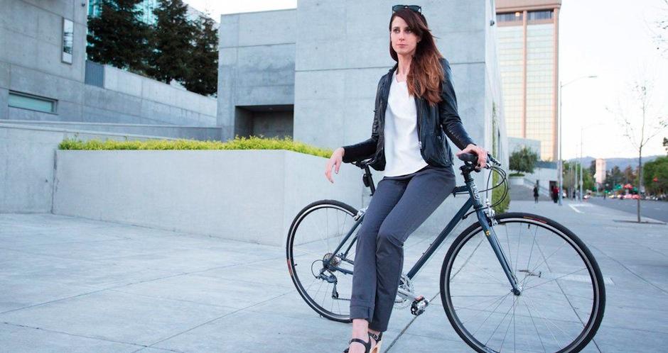 Betabrand, le look classique de la cycliste urbaine