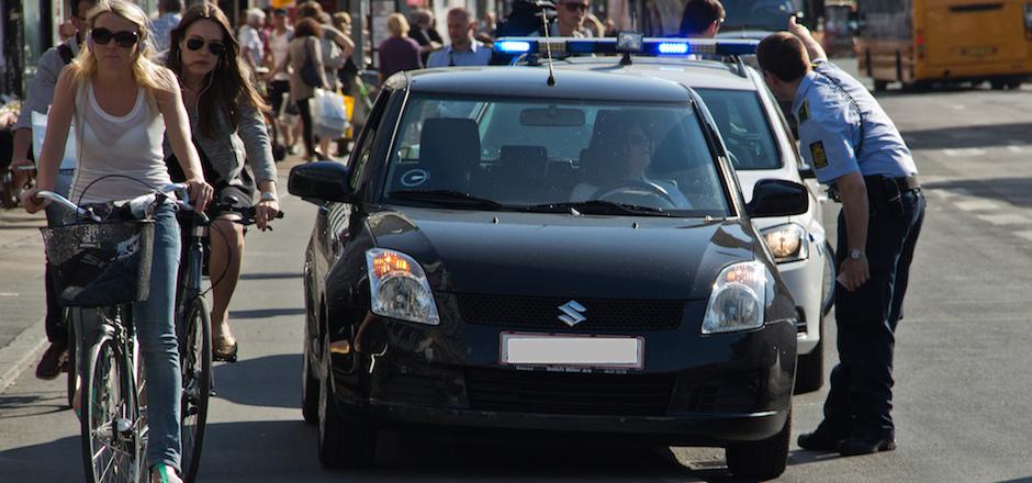 Préjugés automobilistes: «les cyclistes doivent se coller au trottoir»