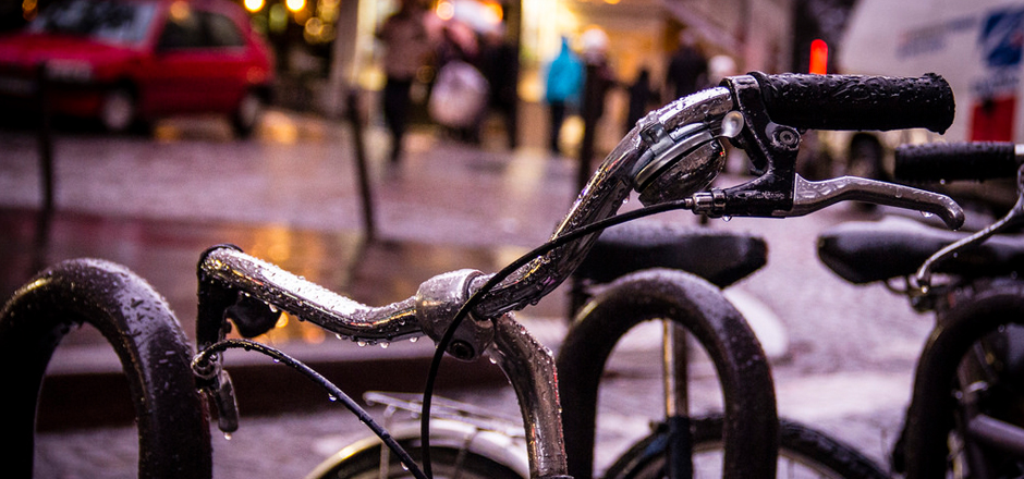 Que faire après une sortie vélo sous la pluie?