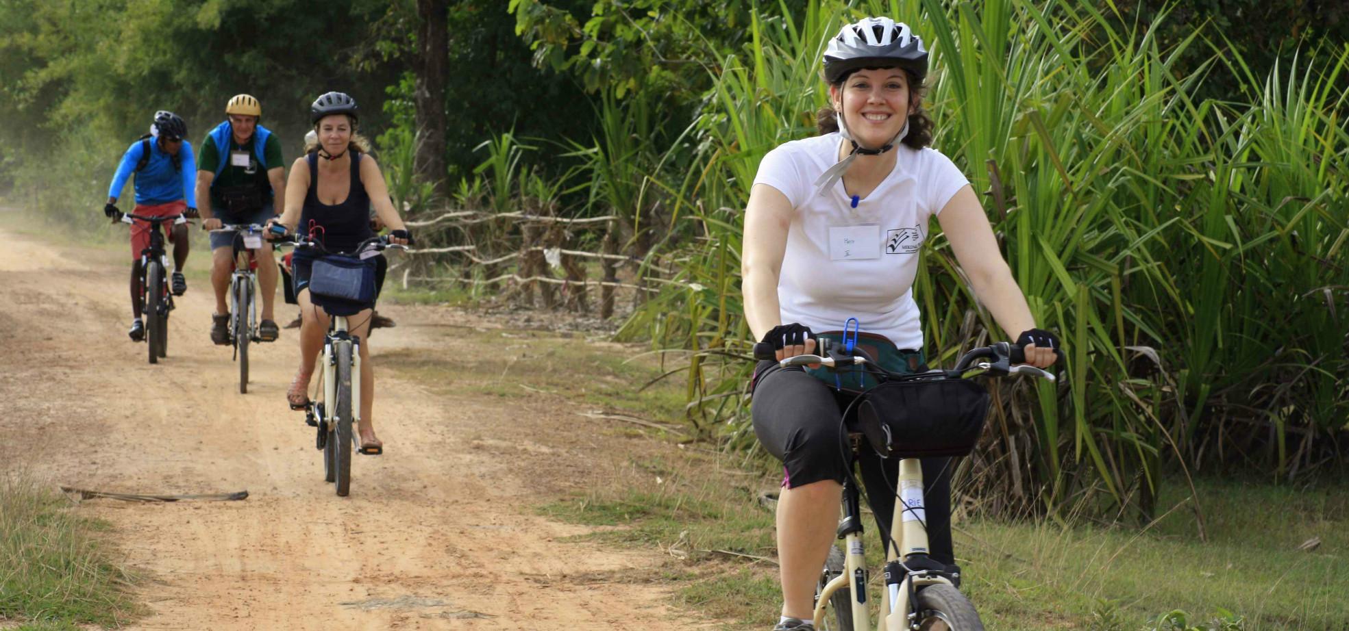 Adepte du vélo, Marie a tenté une grande première : rouler pour la bonne cause ! Récit de son aventure à vélo au profit de l'association Mekong Plus.