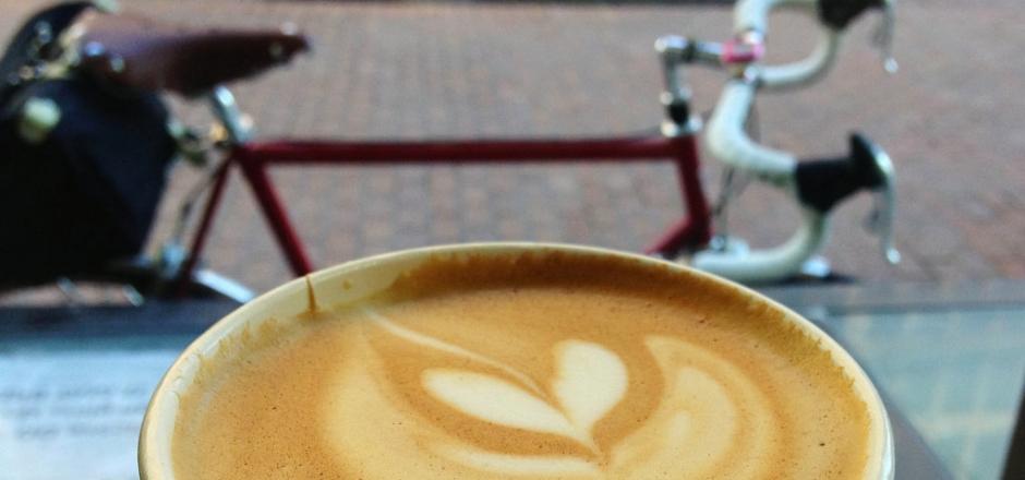 Vélo et pause café : un duo gagnant ?