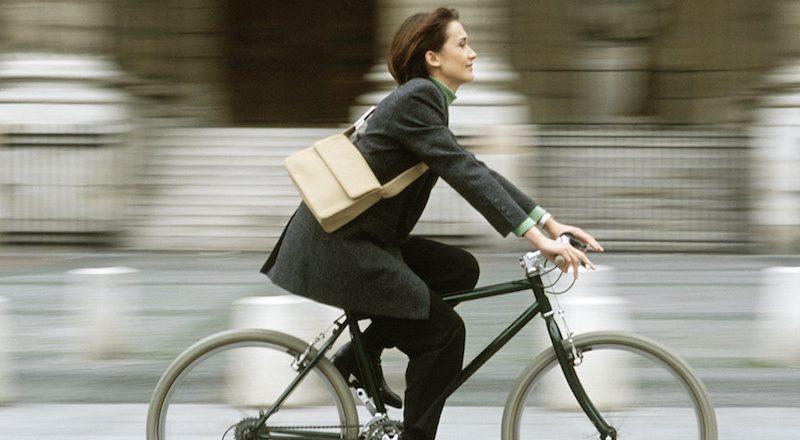 Aller au travail à vélo rend plus heureux!