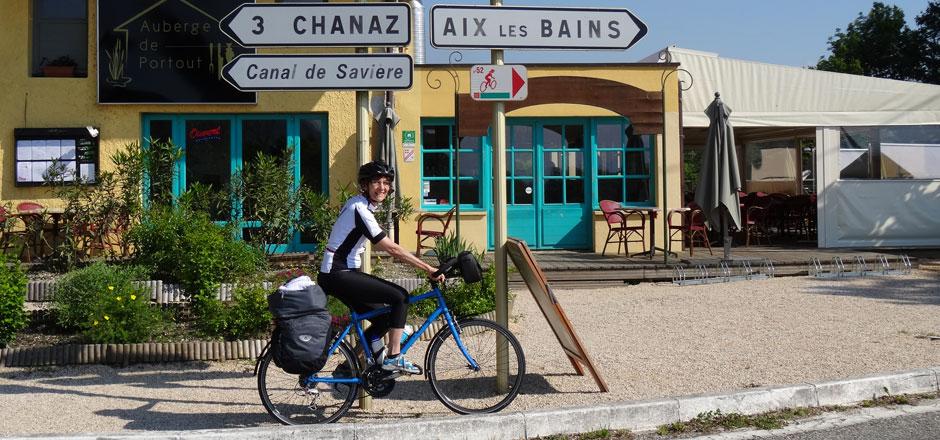 Jacqueline, elle descend de la montage... à vélo