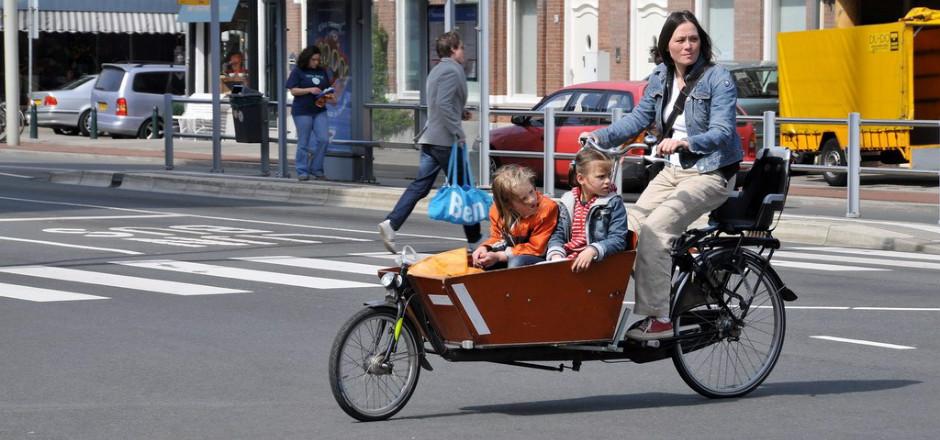 Le cargobike souffre d'une image double: gros engin peu commun en France, il impressionne et il fait rêver par son esthétisme et son sens de la pratique.