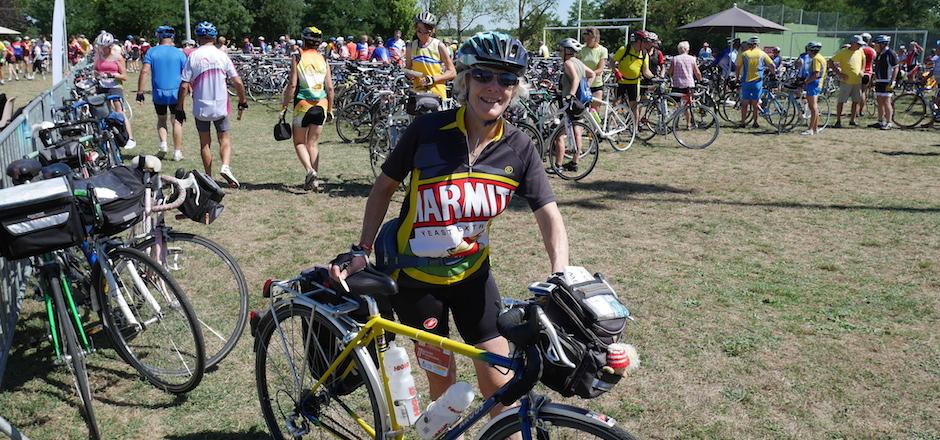 femme cyclotouriste