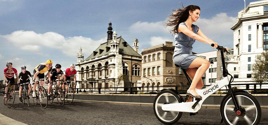 Le mini vélo pliant, électrique, éclectique