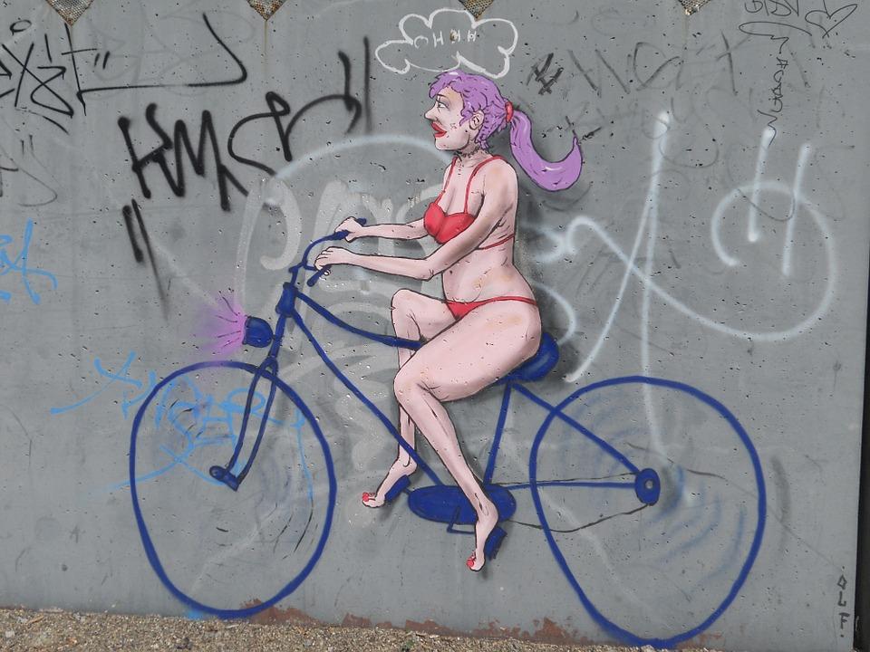 Vélo et menstruations: hop sur la selle!