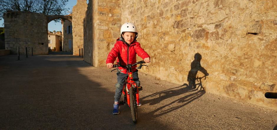 La marque Frog Bikes s'est penchée sur la morphologie de l'enfant pour créer des vélos enfants légers et adaptés. Voici les améliorations qu'ils proposent.