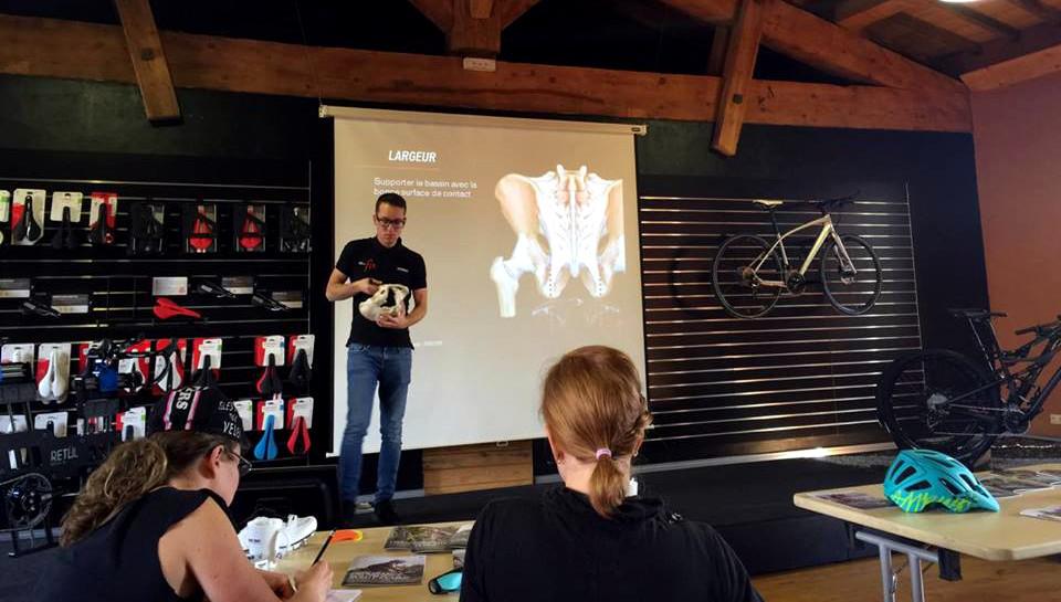 Fabien nous explique l'importance de prendre en compte la largeur des tubérosités ischiatiques pour bien choisir sa selle.