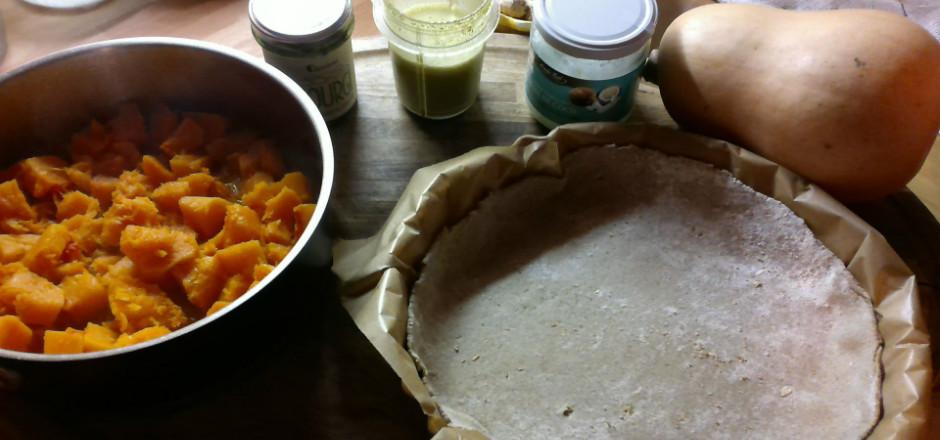Une tarte Butternut et graines de courge au menu de cette recette sans gluten! Pour faire le plein de fibres et de bons lipides. Prêtes à vous régaler?