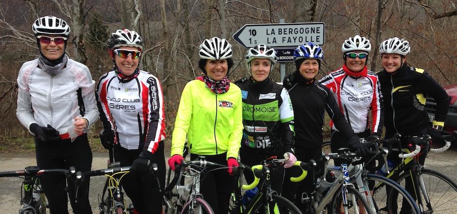 Christiane participe aux 24h vélo du Castellet, ce 28 et 29 mai 2016. Son équipe « Belles donne en selle », sponsorisée par EFDV, est remontée à bloc.
