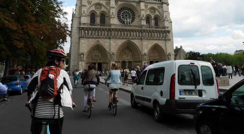 Rouler cheveux au vent, randonner à vélo... Belle saison rime avec cyclotourisme mais aussi avec sécurité, dixit la Fédération française de cyclotourisme.
