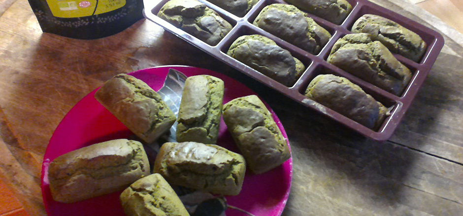 Mini-cakes sans gluten riz, quinoa au thé Matcha et à l'orange