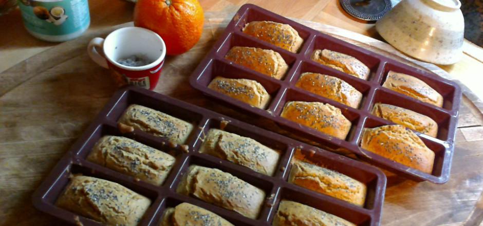 Dégustez de mini-cakes quinoa, riz à l'orange, cannelle et ajoutez un ingrédient méconnu: les graines de Chia. Pour un régal sans gluten, qui plaît à tous!