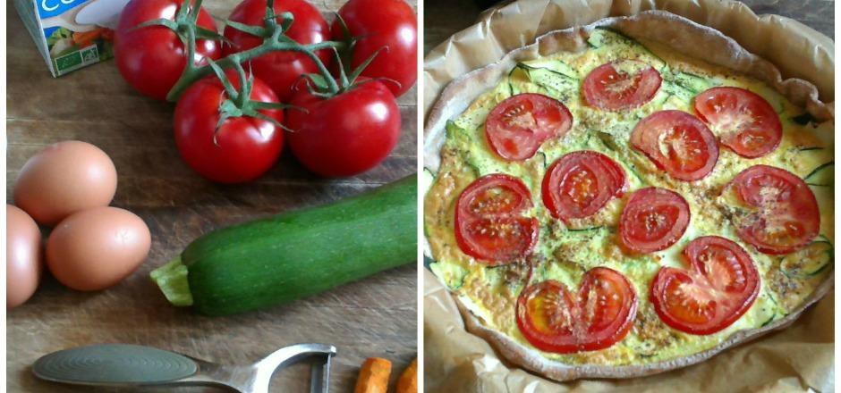 Encore une délicieuse recette sans gluten: tarte de sarrasin aux tagliatelles de courgettes, tomates et curcuma à la crème de soja. Que du sain! Que du bon!