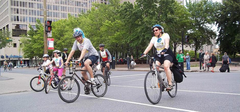 Le tour de l'île de Montréal c'est jusqu'à 35 000 cyclistes, plus de 3000 bénévoles, des centaines de kilomètres et de merveilleux moments vélo à partager !