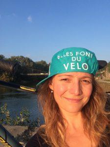 Lucie et sa casquette Ellesfontduvelo