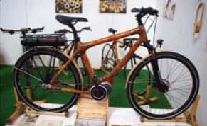 Vélo électrique en bamboo