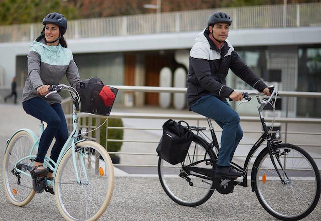 Alexandra et sa bicyclette