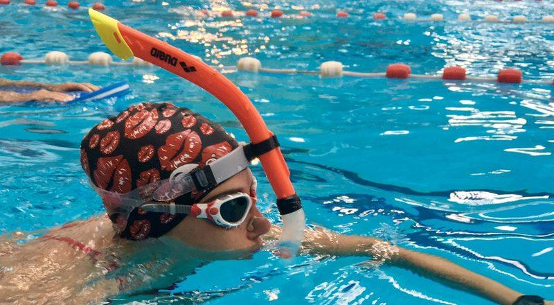 Le tuba frontal en entraînement croisé, un allié pour nos jambes et notre dos!