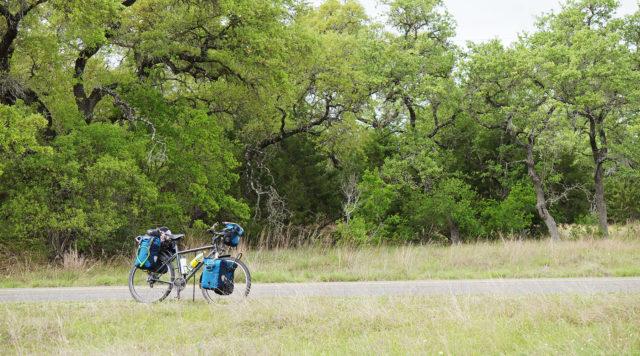 Test de la béquille Click-Stand bequille vélo - bequille cyclotourisme - bequille click stand - elles font du vélo - la cyclonomade