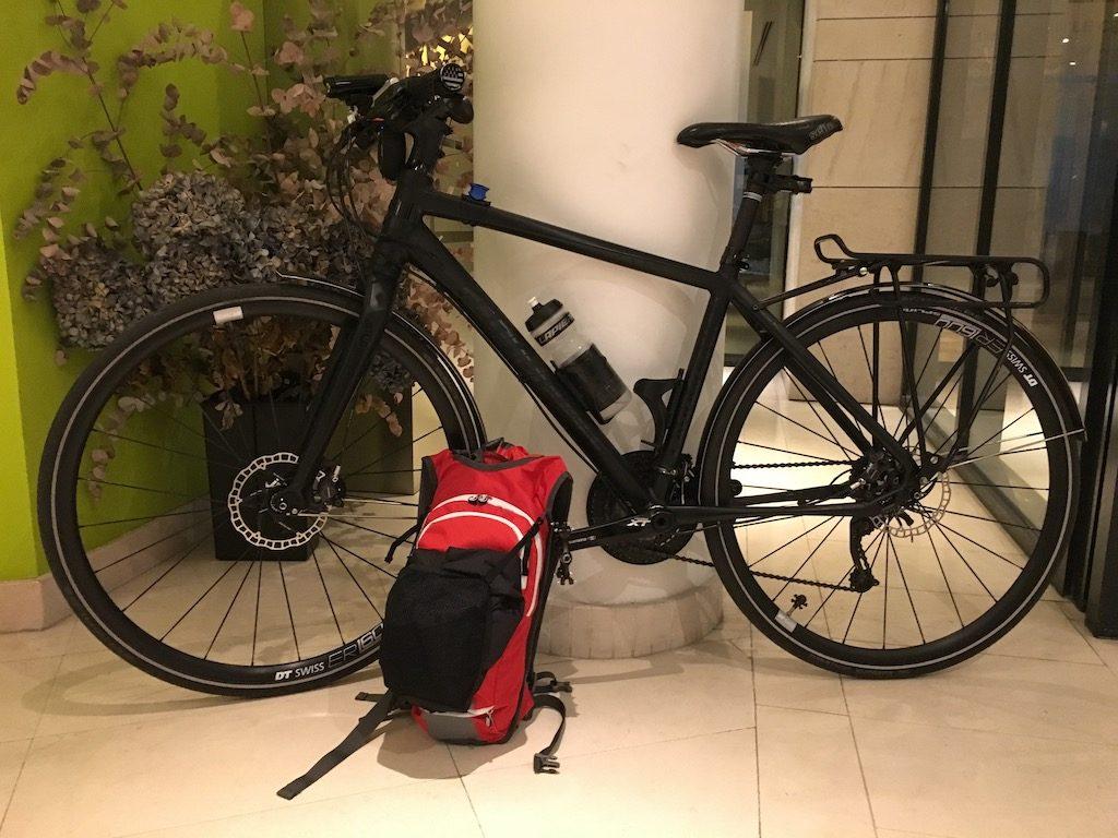 Test du sac à dos vélo avec veste de pluie intégrée - Jacpack de For.Bicy