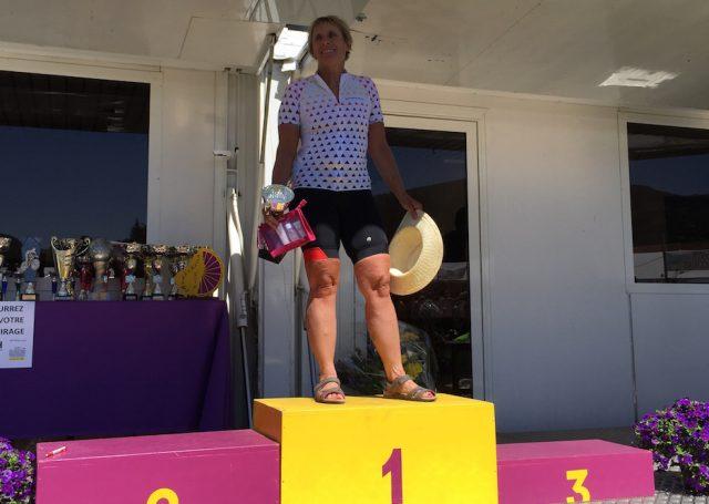 femmes cyclistes podiums