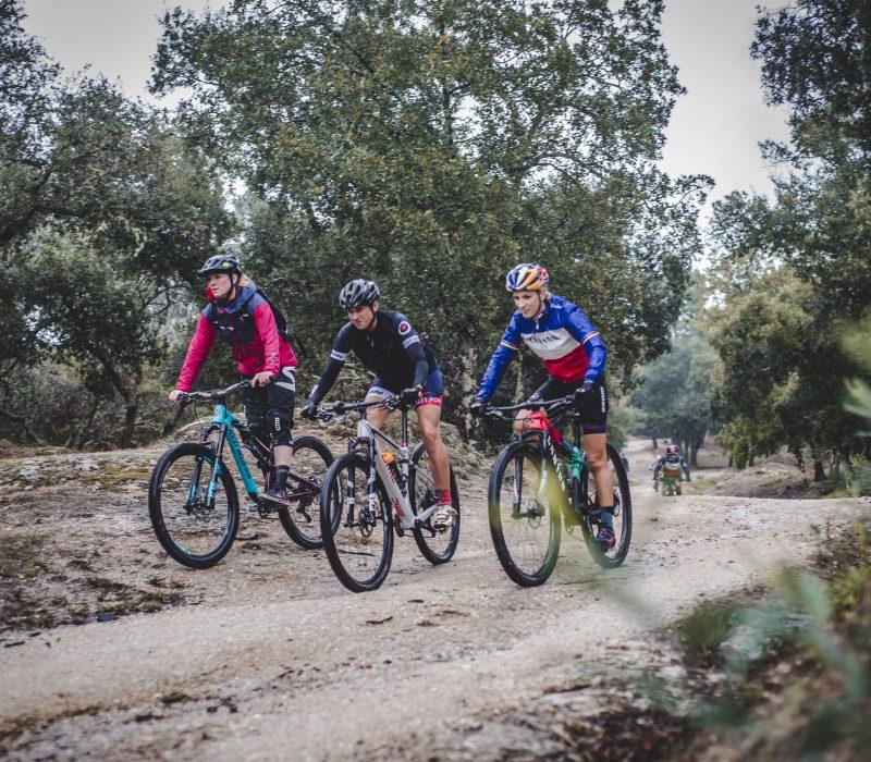 Ride Only Girls: P. FERRAND PREVOT, M. NICOLE et C. RAVANEL!