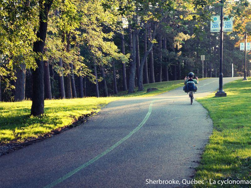 se déplacer à vélo - lvélo urbain - cyclisme urbain - sherbrooke à vélo - la cyclonomade