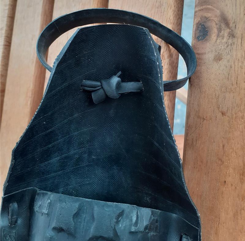 Noeud pour fermeture de la sacoche de selle vélo
