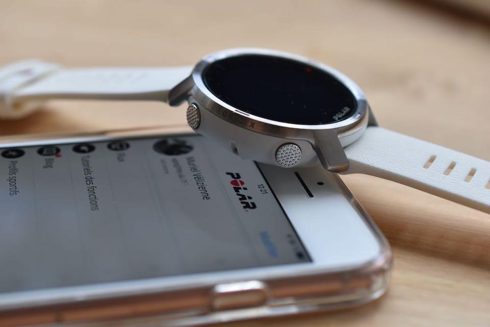 montre multi-sports Polar Grit X avec mobile