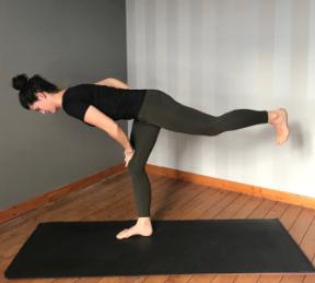 yoga lyt jambe tendue