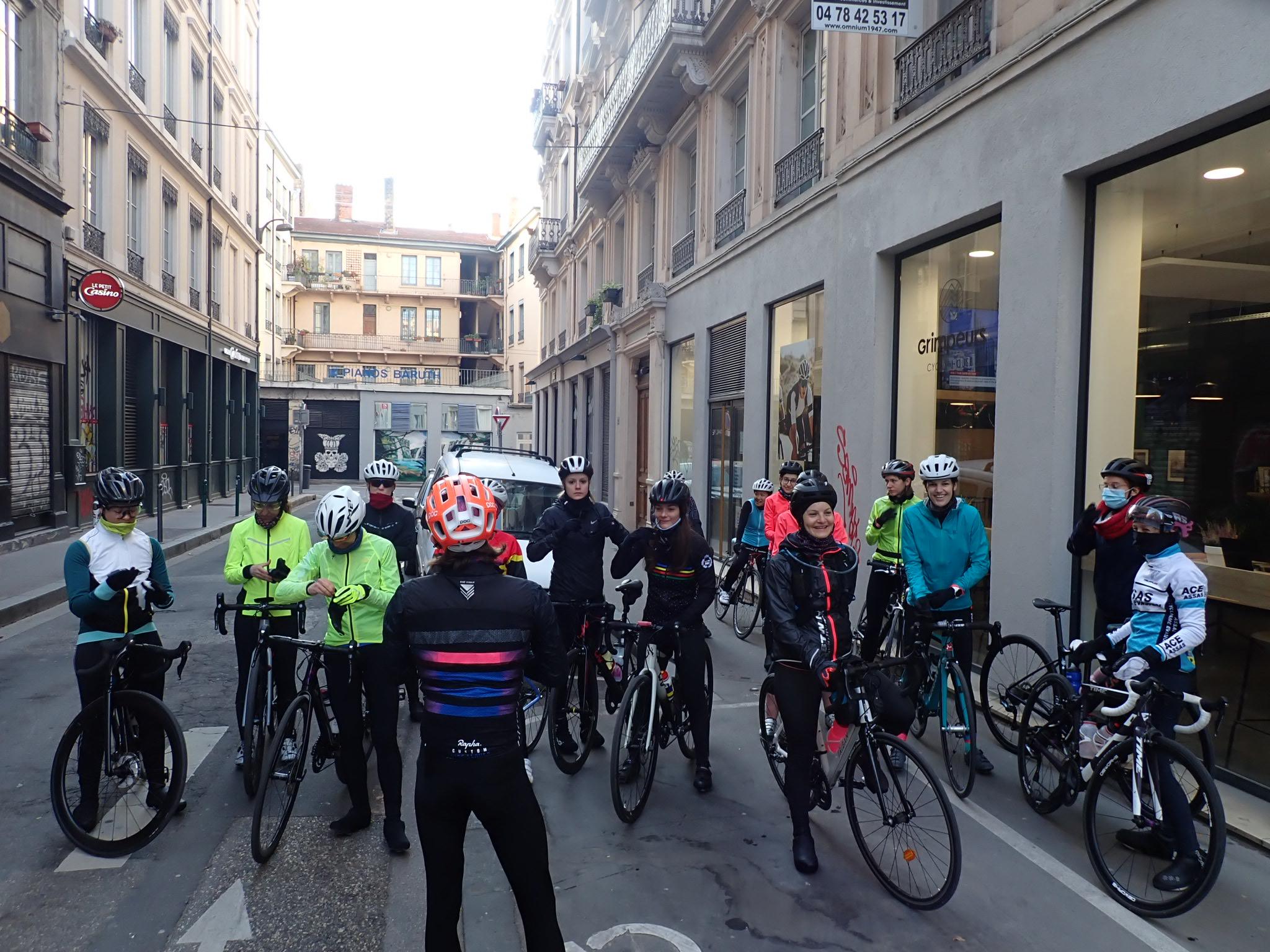 ride rapha mars 21 devant Grimpeurs cyclist house lyon