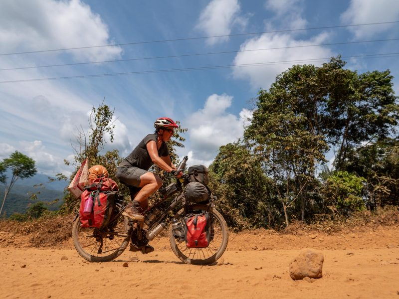 portrait de cycliste d'Alice en Bolivie