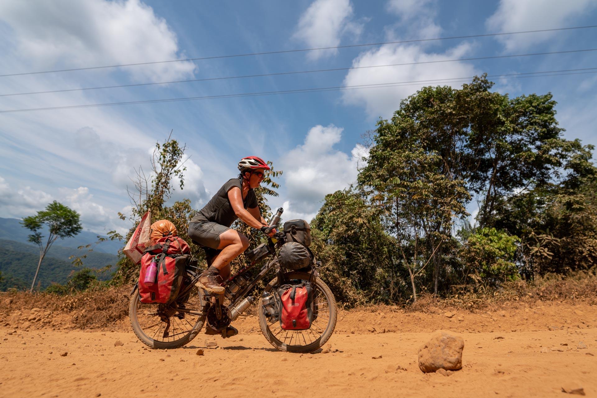 portrait de cycliste d'Alice en Bolivie