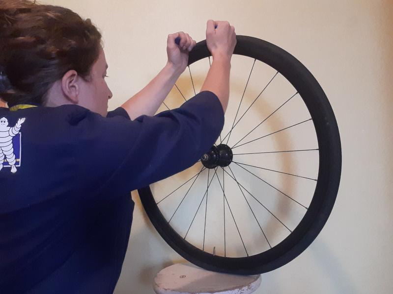 demonter le pneu vélo