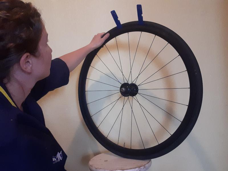 Retirer le pneu vélo
