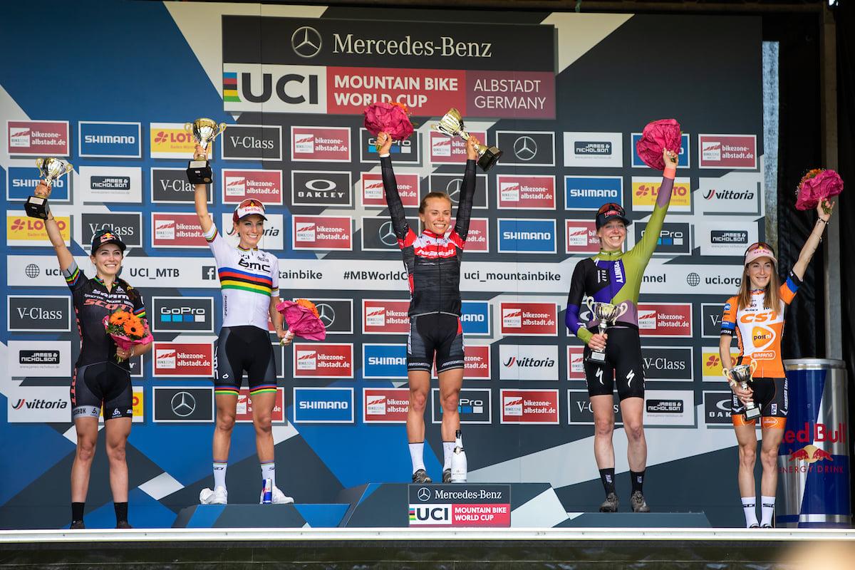 Lecomte Prévot Le crédit photo est UCI Mountain Bike !