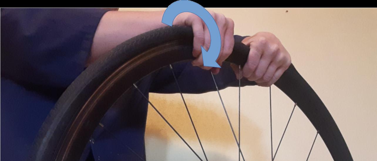 réparer une crevaison d'un pneu vélo